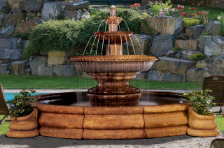 Grande Palazzo Fluted Fountain with two Planters