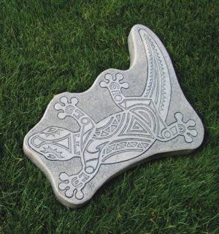 Lizard Curved Stepping Stone