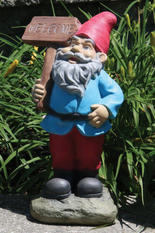 Lazy Daze Gnome Statue Welcome Sign 16