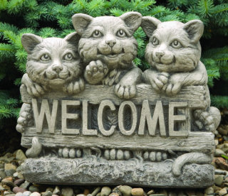 Welcome Sign Kittens Sculpture
