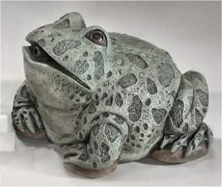 Bullfrog Piped Water Feature Statue