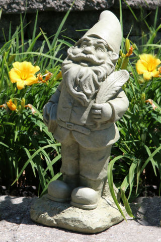 Lazy Daze Gnome Writer Sculpture 16