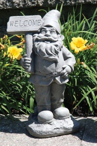 Lazy Daze Gnome Sculpture Welcome Sign 16