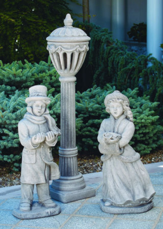 Caroler Boy & Girl With Lamp Post