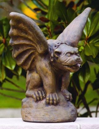Tuscany Gargoyle Spitter Piped Statue