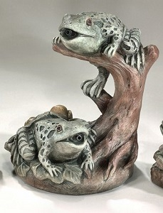 Garden Frogs Plumped Water Feature Statue
