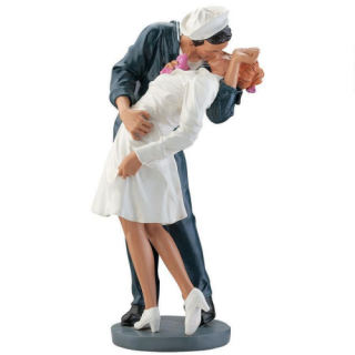 Navy Sailor Kissing Nurse Sculpture 19