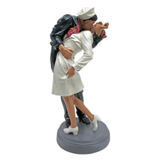 Inspired Moment WWII Lovers Sculpture 12