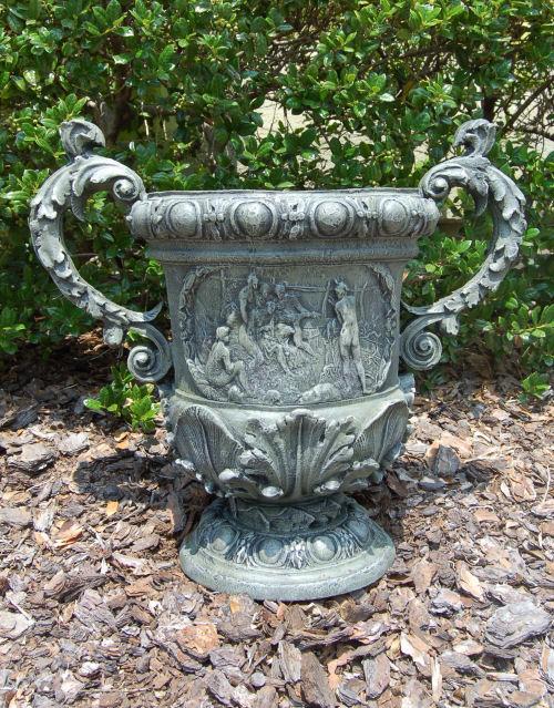 Winterthur Figured Urn with handles