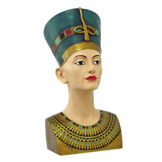 Bust of Nefertiti Statue 18
