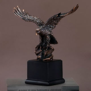 Commemorative Eagle Statue 13