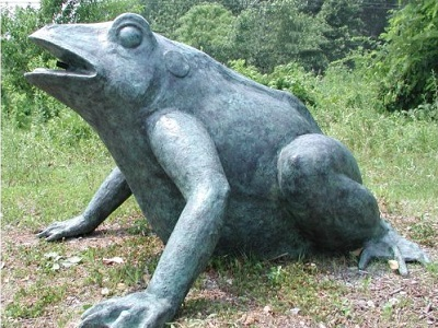 Giant Frog Water Feature Garden Spitter