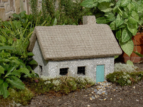 Gray Tabby Cottage Garden Accessory