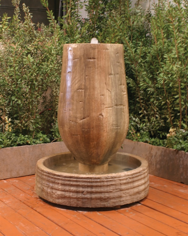 Trunk Outdoor Garden Fountain with Modern Style