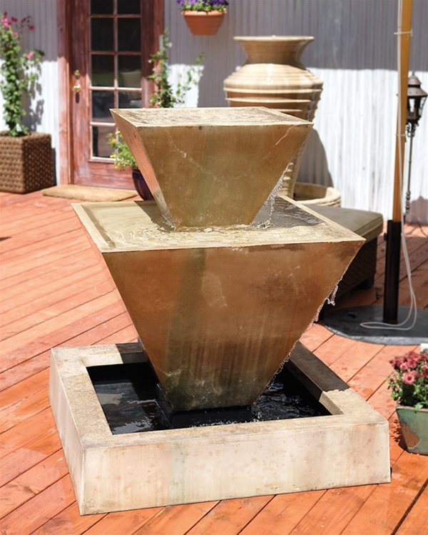 Double oblique recirculating fountain for Recirculating water feature