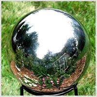 Gazing Globes Gazing Balls and Globes for your Garden